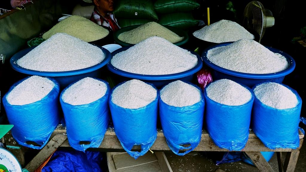 madeau photography laos nientiane market traveler vagabond2015-01-31IMG_6557 -