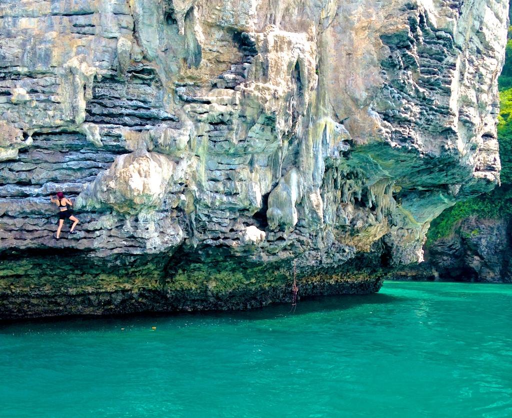 madeau deep water soloing tonsai beach thailand rock climbing