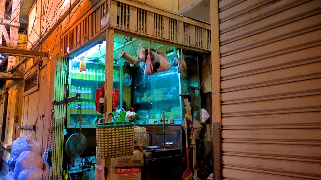 madeau yangon myanmar photography vagabond