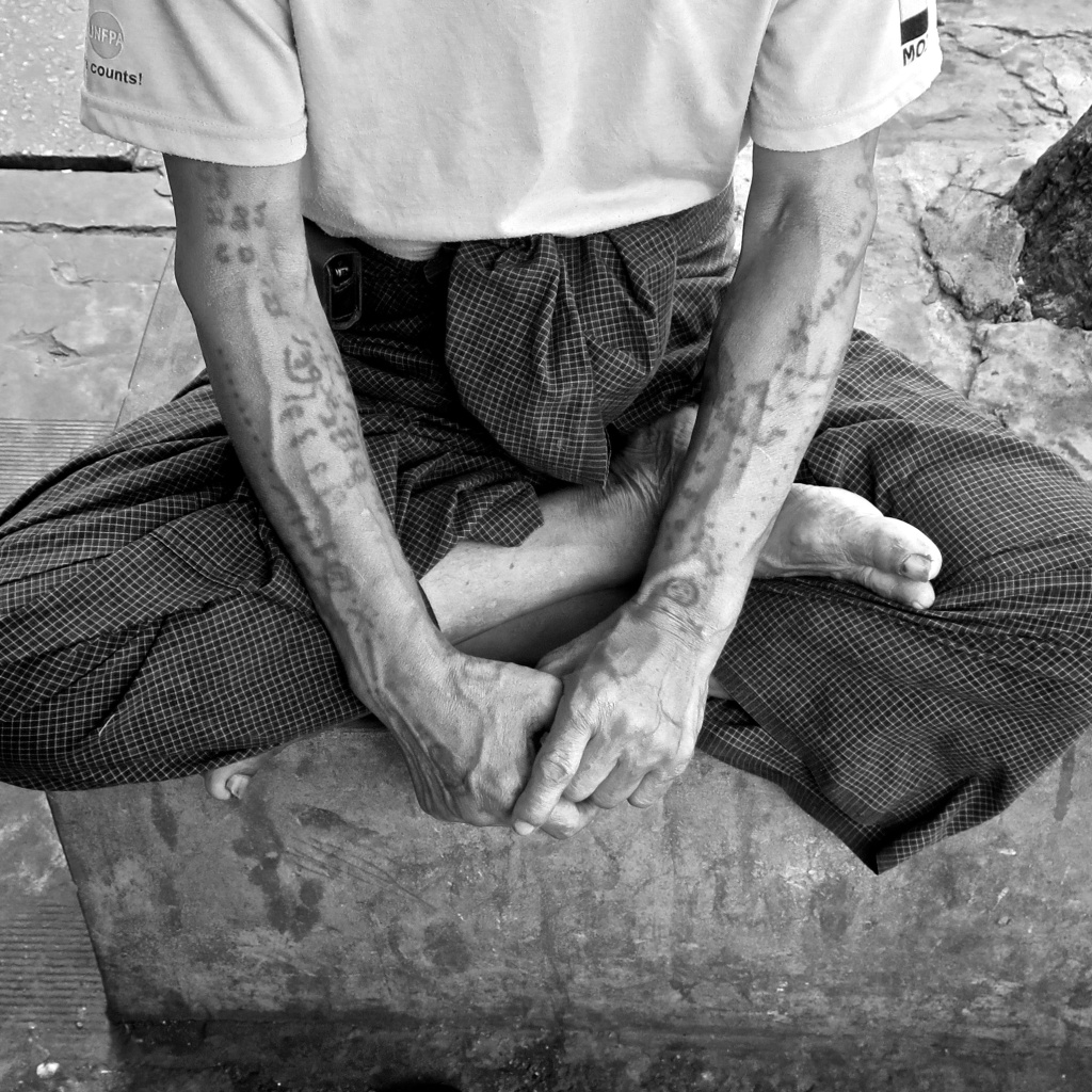 madeau vagabond photography hands